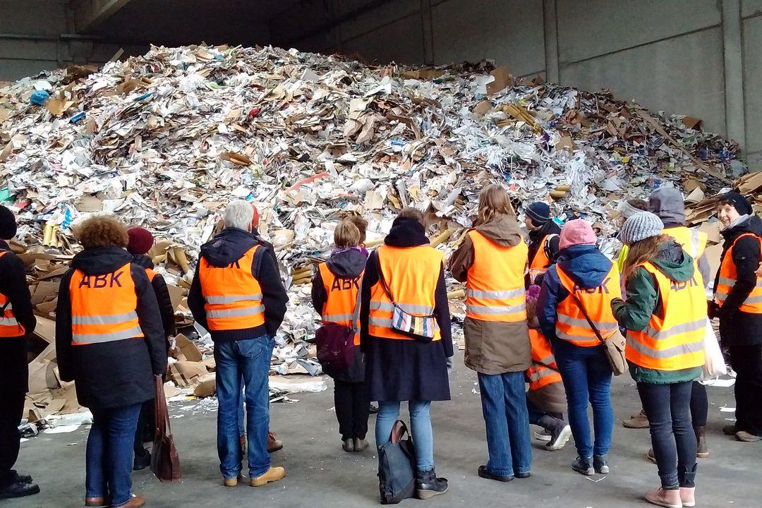 Dies ist die Menge an gesammeltem Papier von nur einer Woche