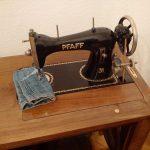 Fast 100 Jahre alte Nähmaschine...funktioniert
